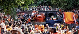 Oranje in de boot